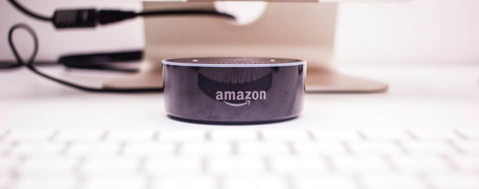 close up Amazon Echo - Alexa